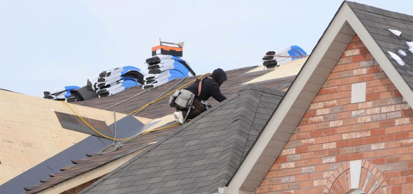 reasons hiring roofing professional